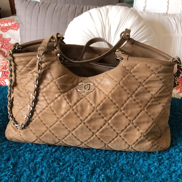 7c611fd559aa72 CHANEL Handbags - Chanel Sea Hit tote with silver hardware